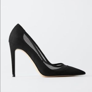 New! 💫 Zara black high heel shoes! A must have!!